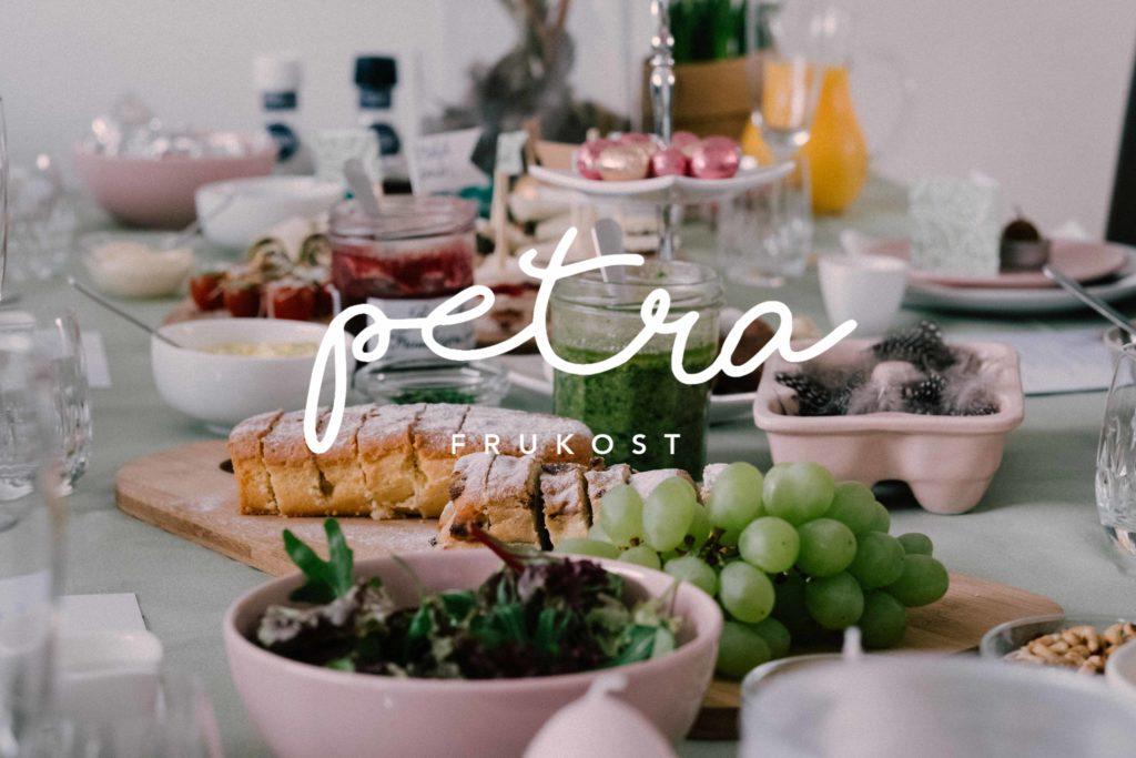 frukostbord text Petra-frukost